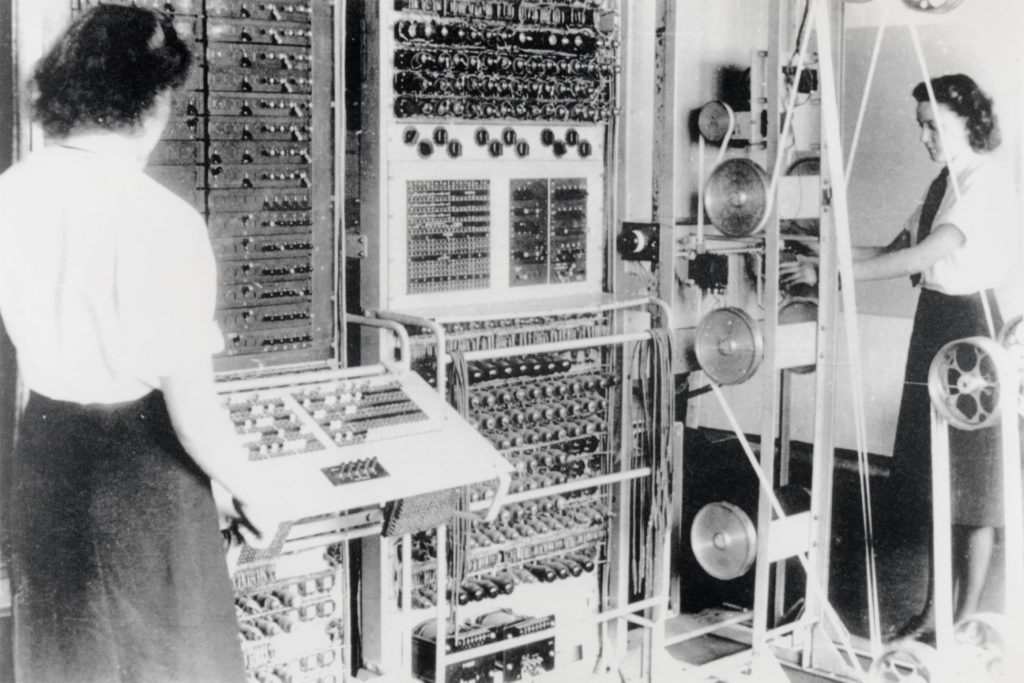 Exploring Computer History - Colossus code breaking computer in operation